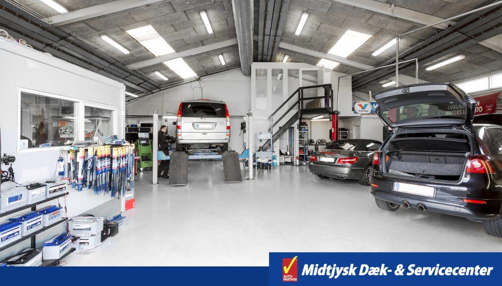 Værksted hos midtjysk dæk- & servicecenter