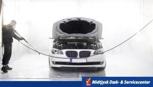 Bilklargøring hos midtjysk dæk- & servicecenter