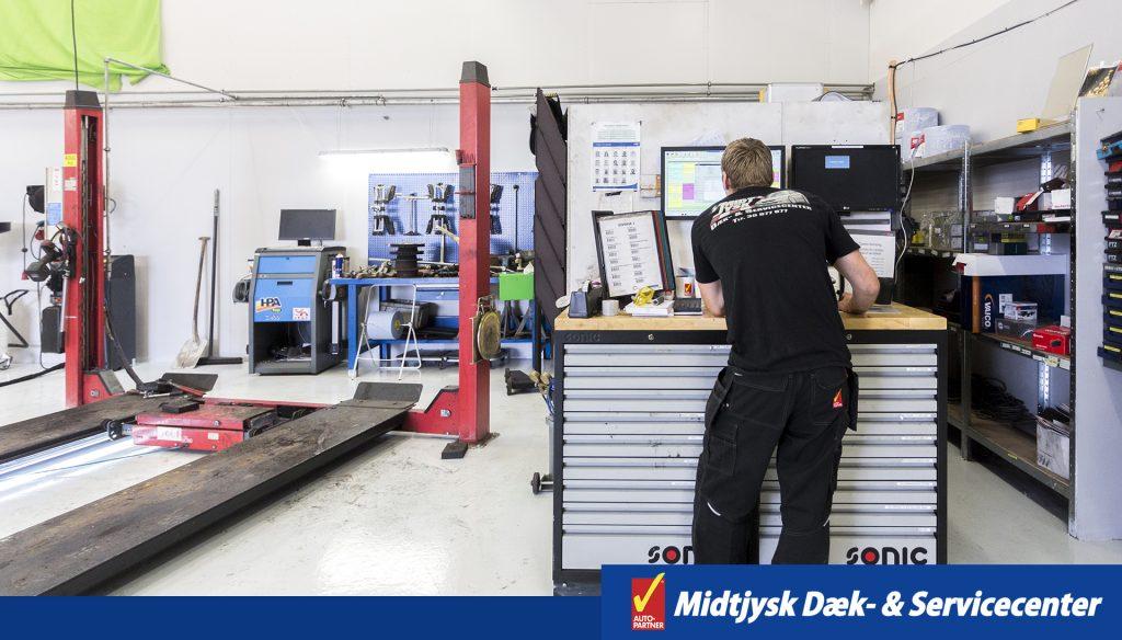 Booking hos midtjysk dæk- & servicecenter